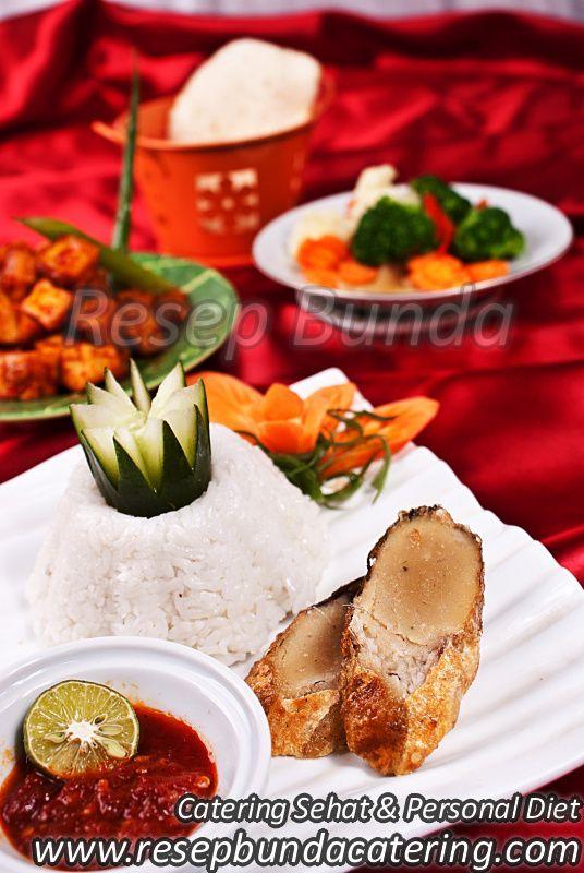 Menu Catering Nasi Box : Bandeng Bumbu Isi