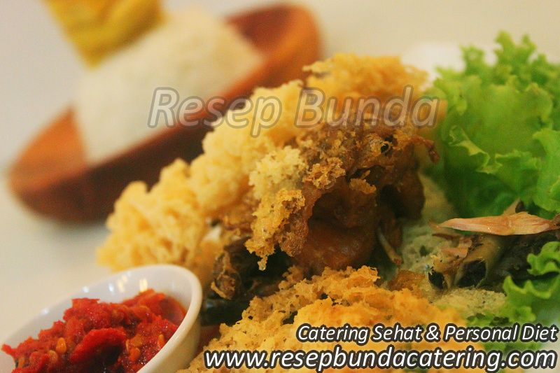 Menu Catering Nasi Box : Ayam Kremes